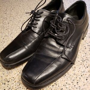 Calvin Klein SZ 10M black dress shoes